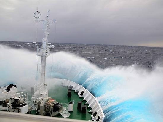 Людей эвакуировали с антарктических баз после землетрясения