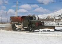 Федеральные трассы в Забайкалье расчищают 52 снегоуборочные машины