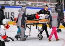 """ХК """"Кузнецкие Медведи"""" отказался от игры с омской командой из-за жестокой драки на льду"""