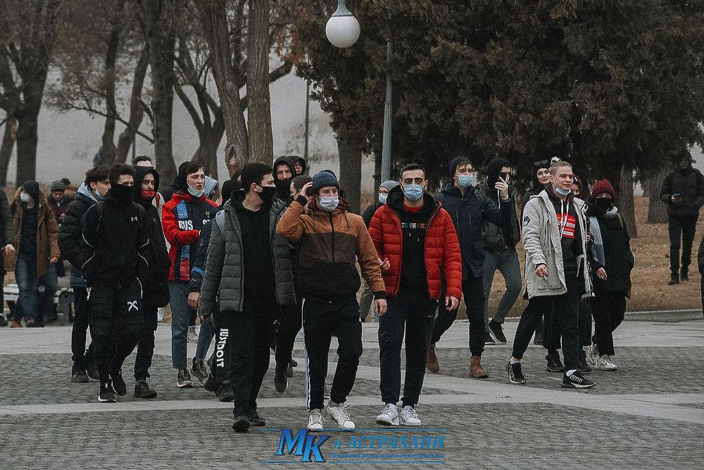 Большой фоторепортаж с акции в поддержку Алексея Навального в Астрахани