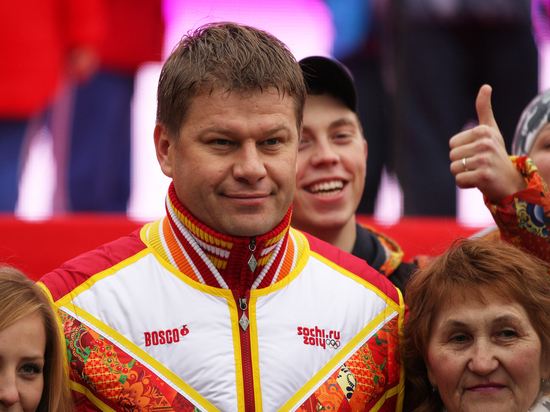 Губерниев отчитал Большунова за инцидент на эстафете