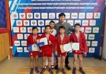 Юные самбисты Калмыкии завоевали медали всех достоинств в Армавире
