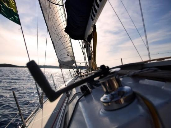 Россиянин украл яхту в Турции и сел на мель в Греции