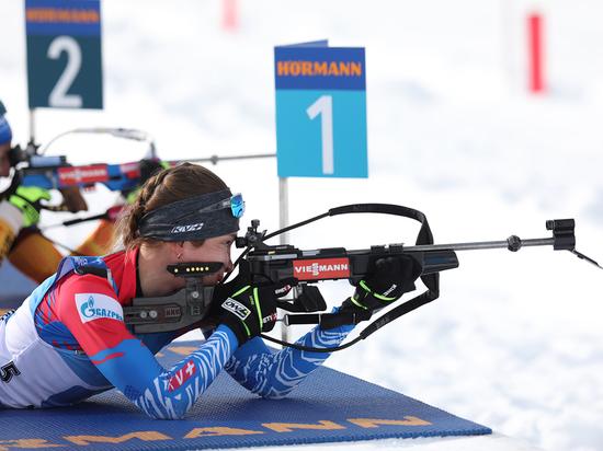 Женская сборная России по биатлону выиграла золото в эстафете