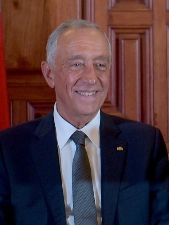 На президентских выборах в Португалии побеждает Марселу Ребелу ди Соуза