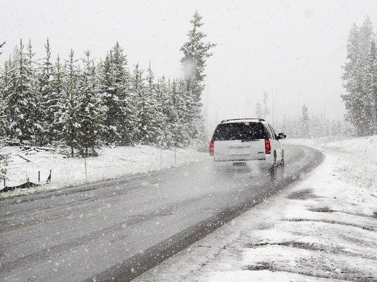 Забайкальцев предупредили о сильном снеге и гололедице на дорогах