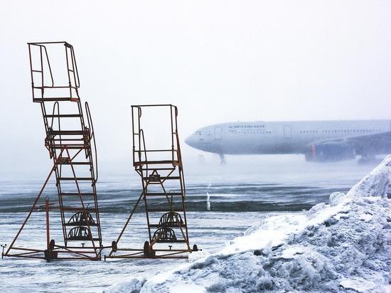 Часть авиарейсов отменил аэропорт в Чите из-за снега