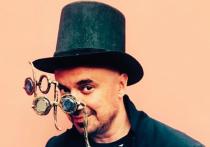 Актер, режиссер, поэт, баснописец, художественный руководитель «Есенин-центра», создатель Московского театра поэтов Влад Маленко — невероятно многогранный человек