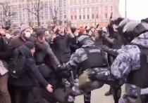 Адам Делимханов, депутат Госдумы и советник главы Чечни, обратился к парню, полезшему в драку с ОМОНом на субботней акции протеста