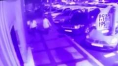 В Стамбуле мужчина набросился с ножом на русских: кадры с камер
