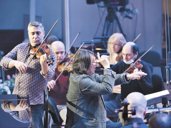 Маэстро Юрий Башмет отметил свой 68-й день рождения по традиции — на сцене