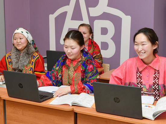 На Ямале в 2021 году губернаторских стипендиатов будет в 3 раза больше