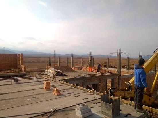 В селе Оттук ведется строительство современной школы