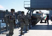 Президент США Джо Байден подписал указ, разрешающий трансгендерам служить в армии