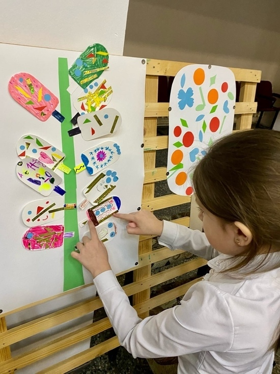 В Андреапольском доме культуры дети нашли новое применение эскимо