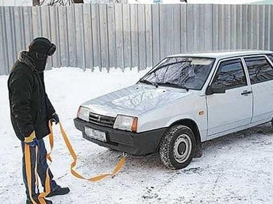Житель Черногорска угнал машину, прицепив ее к своему автомобилю