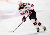 """После не слишком удачной попытки вернуться в НХЛ Илья Ковальчук оказался в """"Авангарде"""" и быстро превратился в одного из лидеров команды и всей лиги. Обозреватель """"МК-Спорт"""" считает это не случайным, и объясняет, как подвиги Ковальчука помогают нам оценить реальный уровень игры в КХЛ."""