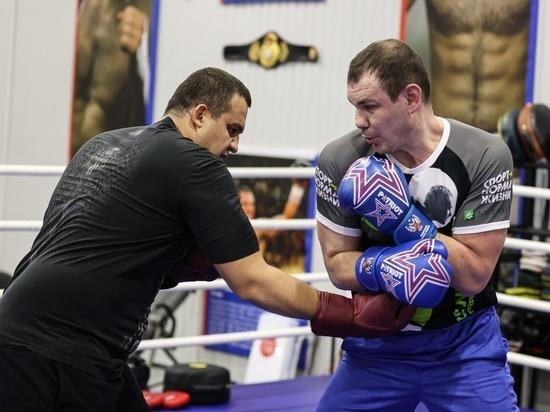 Глава Минспорта РФ, Президент AIBA и олимпийские чемпионы по боксу провели совместную тренировку