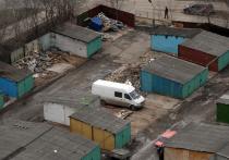 Госдума приняла в первом чтении законопроект о так называемой гаражной амнистии: до 2025 года россияне смогут в упрощенном порядке оформить право собственности на капитальные гаражи, построенные до 30 декабря 2004 года, и на землю под ними