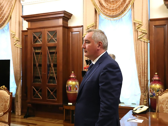 Песков заявил о скором докладе Рогозина Путину