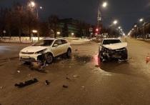 Вечером во вторник 26 января в Йошкар-Оле произошло ДТП с участием двух автомашин.