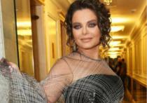 Популярная российская певица Наташа Королева опубликовала в Stories своего Instagram редкие кадры со своей матерью Людмилой Порывай, которая поучаствовала в яркой фотосессии