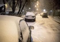 Специалист рассказал, какую ошибку при парковке автомобиля часто совершают водители.