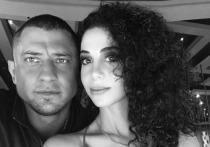 Российская актриса армянского происхождения Зепюр Брутян опубликовала на своей странице в Instagram фото, на котором нежится в объятиях своего коллеги по сериалу «В клетеке» Павла Прилучного