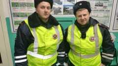 Сотрудники ДПС спасли молодую беломорчанку, которая чуть не утонула