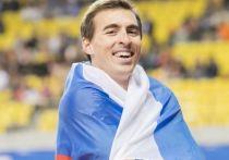 Россиянин является чемпионом мира (2015) и чемпионом Европы (2012, 2014) в беге 110 метров с барьерами