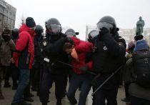 Прокуратура Москва предупредила об ответственности за участие в несакнционированных акциях протеста.