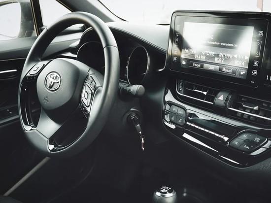 Японский автоконцерн Toyota Motor Corp в прошлом году занял первую строчку рейтинга производителей по количеству проданных автомобилей