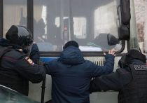 Очередного раунда противостояния между Кремлем и командой Навального все ждали только в эти выходные