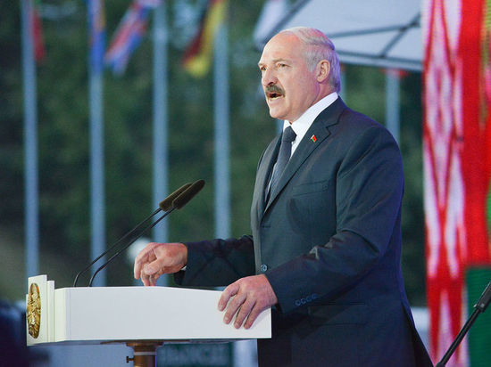 Лукашенко предложил объяснение длительности белорусских протестов