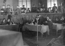 На майдане Незалежности повесили 12 нацистских преступников