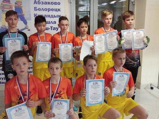 В Оренбурге более двухсот человек сыграли в мини-футбол