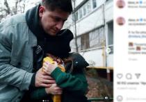 27-летний российский хип-хоп и рэп-исполнитель, видеоблогер Давид Манукян, более известный под сценическим псевдонимом DAVA, шокировал своих подписчиков трогательным видео, на котором рассказывается об истории усыновления беспризорной девочки-воровки