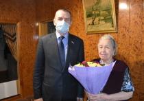Вице-спикер регионального парламента поздравил с 90-летием жительницу Орла