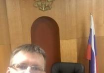 Руководитель тульского отделения партии «Яблоко» Владимир Дорохов провел вечер 31 января в Привокзальном районном суде Тулы. Его обвиняют в нарушении ч. 5 ст. 20.2 Кодекса административных правонарушений.