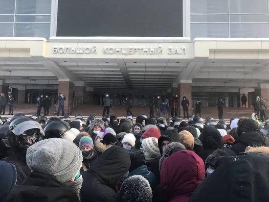Полиция сообщила о 194 задержанных на акции протеста в Красноярске