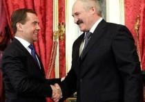 Медведев напомнил Белоруссии о зависимости от России