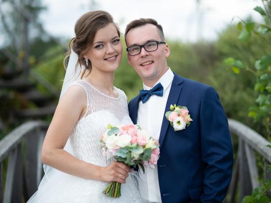 Поженились на шоу: влюбленные из Дно рассказали, как попали на федеральный телеканал