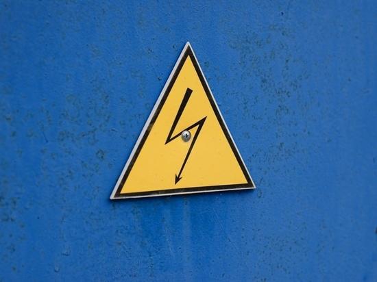 В Тульской области жители двух населенных пунктов жалуются на перепады электричества