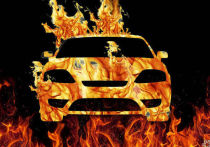 Автомобиль сгорел вместе с гаражом в Кузбассе