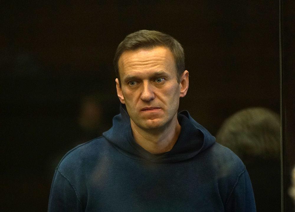 Лицо Навального в суде: кадры заседания