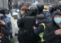 Пресс-секретарь президента Дмитрий Песков заявил журналистам, что факты нарушения прав задержанных на воскресных акциях протеста, нуждаются в проверке