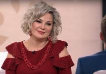 Оперная певица и экс-депутат Госдумы Мария Максакова прилетела в Москву с Украины, чтобы решить квартирный вопрос