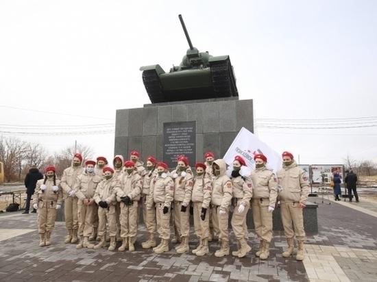 Танк-памятник «Челябинский колхозник» в Волгограде отреставрировали