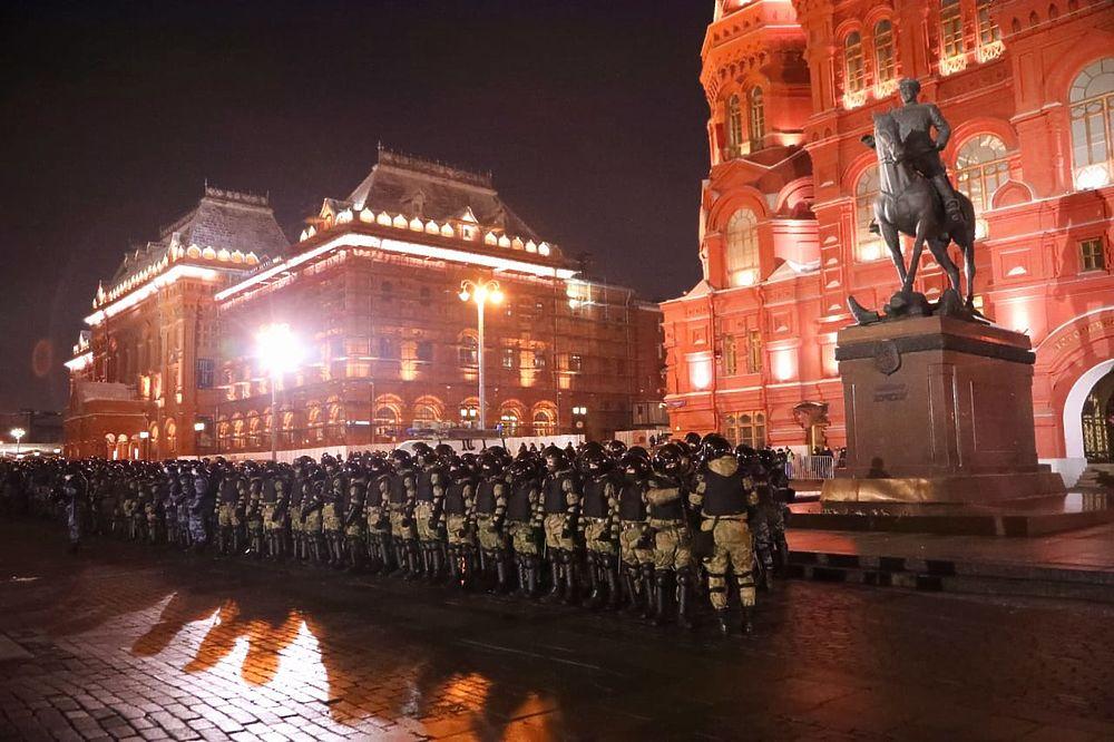 ОМОН у Красной площади: кадры после приговора Навальному