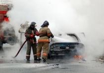 В Ивановской области в очередной раз на улице загорелся автомобиль